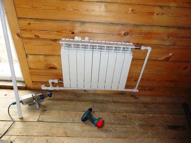 ustanovka-radiatorov-otoplenija-svoimi-rukami
