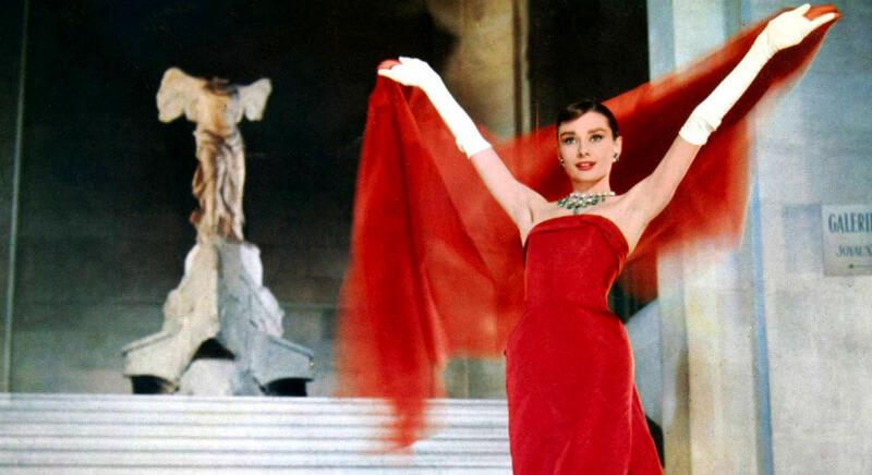 Женщина в красном