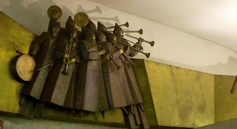 Скульптура буденовцев с трубами