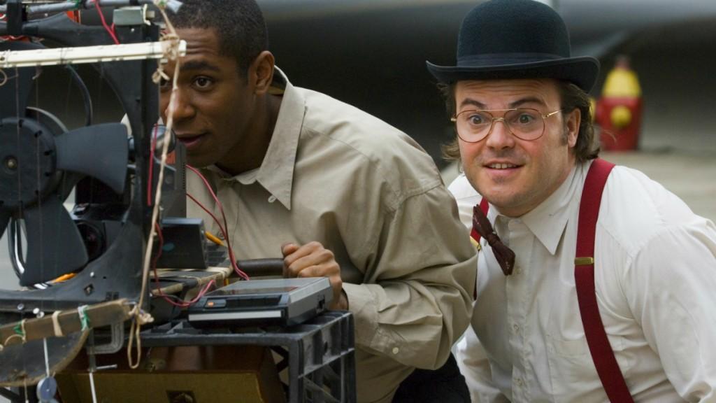 темнокожий мужчина и мужчина в шляпе и очках