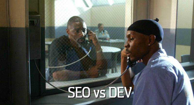 Два мужчины говорят по телефону