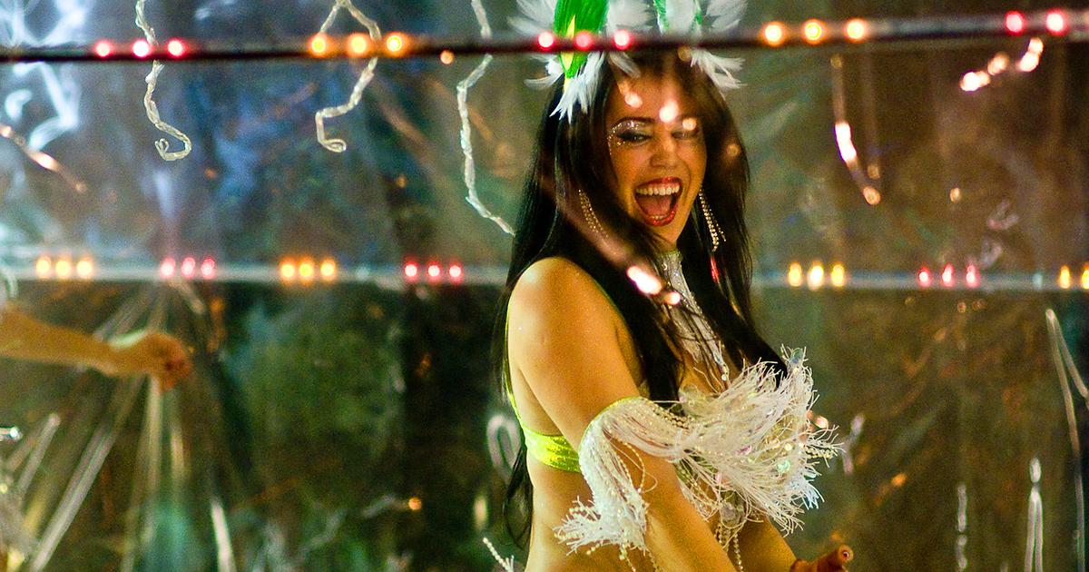 carnival-fin