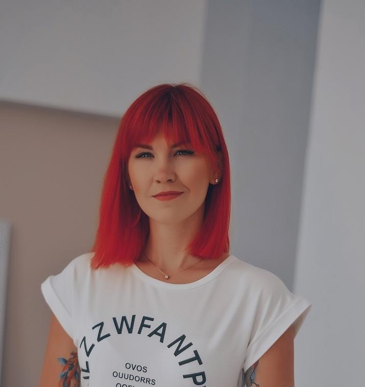 Яна Рыжая