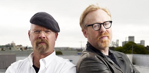 Два мужчины (в очках и в берете)