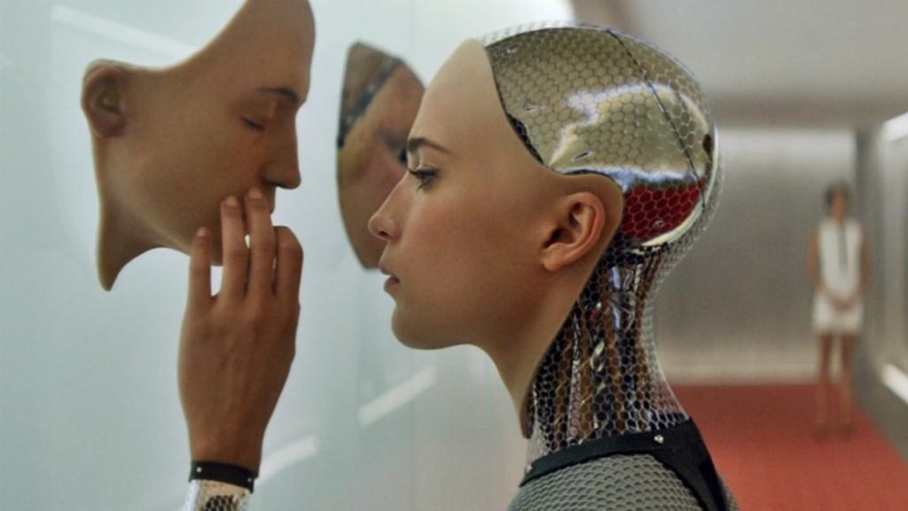 Девушка-робот и маска