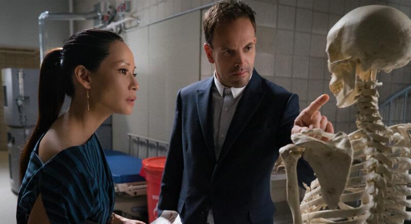 Мужчина и женщина, скелет человека