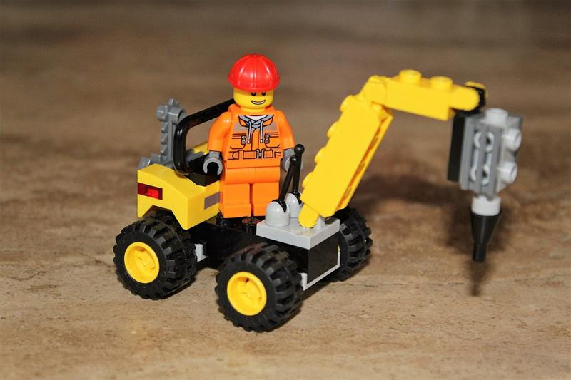 Лего экскаватор